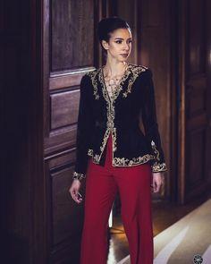 Hijab Fashion, Fashion Dresses, Chic Outfits, Dress Outfits, Hijab Style Dress, Blazers, Caftan Dress, Couture Details, Embroidery Fashion