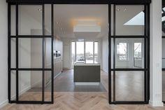 Renovatie dubbele bovenwoning   CSAR architecture Sliding Door Design, Sliding Glass Door, Sliding Doors, Condo Design, House Design, Interior Design Living Room, Living Room Designs, Door Dividers, Glass Room Divider