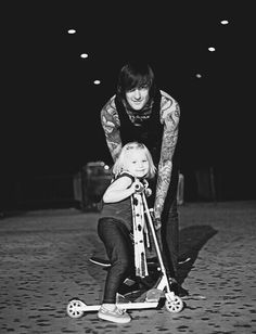 Anyone else noticed that all the 'weird' band vocalists have daughters... Craig Mabbit, Mitch Lucker, Gerard Way, Kellin Quinn, Ronnie Radke....need I go on...