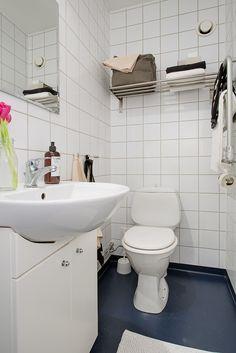 Helkaklat badrum i vitt