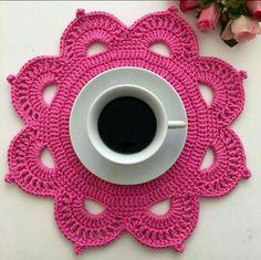 Crochet Placemat Patterns, Crochet Flower Patterns, Crochet Designs, Crochet Flowers, Crochet Stitches, Crochet Dollies, Crochet Stars, Hand Embroidery Dress, Knit Cardigan Pattern