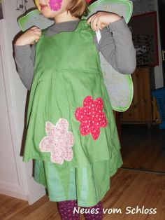 Blumenfee-Kostüm aus Bettlaken und Blusen / Flower fairy costume made from bed linen and blouses / Upcycling