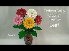 Crochet Flower Tutorial, Crochet Instructions, Crochet Flowers, Fabric Flower Brooch, Fabric Flowers, Love Crochet, Crochet Motif, Crochet Daisy, Gerbera Flower