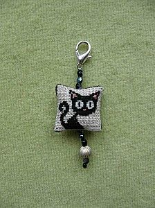Black Cat Cross x stitch Beaded PATTERN approx 30 x 30