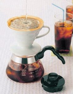 Hario VDC-02W V60 Ceramic Coffee Dripper: Learn the difference between pour over coffee and immersion coffee.