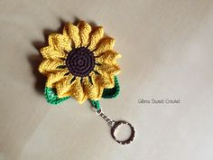 my sunflower Keychain Gloria Sweet Crochet www.gloriasweetcrochet.etsy.com