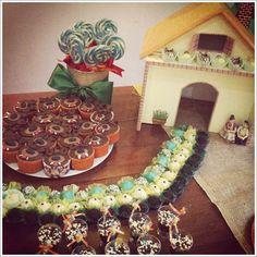 Festa linda com tema Lobo Mau, feita pela mamãe Gê do Meu Mundo e Tudo Mais!!!