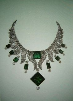 Emerald & diamond collar necklace from the Iranian crown jewels