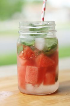 Drink MORE water, add lemon & chia too Recipe to Help You Drink More: Watermelon Mint and Lime Water Hot Lemon Water, Lemon Water Benefits, Lemon Health Benefits, Mint Water, Water 3, Daily Water, Yummy Drinks, Healthy Drinks, Healthy Eating