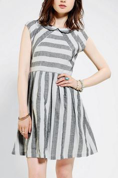 Dear Creatures Arrow Stripe Dress #urbanoutfitters Love the seams & of course, the Peter Pan Collar. :)