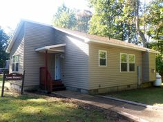 At Cheatham Annex, you can rent cabins for your vacation near the Historic Triangle.