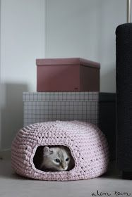 Crochet cat cave (scroll down for directions in english)
