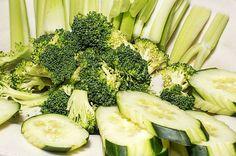 De ce ar trebui să consumăm BROCCOLI cât mai des (+ cea mai bună metodă de gătire) Desert Ușor, Broccoli, Vegetables, Mai, Food, Veggies, Vegetable Recipes