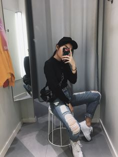 """""""I don't call myself a porn star, but I'm pretty famous on Live Babes… Ulzzang Fashion, Ulzzang Girl, Korean Fashion, Tumblr Fashion, Boho Fashion, Fashion Outfits, Tumblr Photography, Girl Photography Poses, Girl Photo Poses"""