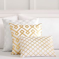 PB Teen Decorator Foil Pillow Cover, 12 x16, Scallop (£13) ❤ liked on Polyvore featuring home, home decor, throw pillows, white toss pillows, white home decor, geometric throw pillows, white accent pillows and white throw pillows
