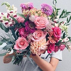 crazy beautiful wedding bouquet with roses, dahlias and snapdragon / flora / floral invitation / flowers Bloom, Wedding Bouquets, Wedding Flowers, Bouquet Flowers, Send Flowers, Blue Wedding, Peach Flowers, Pink Bouquet, Floral Bouquets