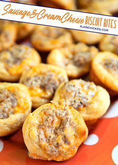 Sausage and Cream Cheese Biscuit Bites - Sausage, cream cheese, Worcestershire, cheddar cheese baked in biscuits. Great for parties & breakfast. Cream Cheese Biscuits, Sausage Biscuits, Flaky Biscuits, Cheddar Cheese, Cheese Sausage, Tailgating Recipes, Brunch Recipes, Appetizer Recipes, Party Recipes