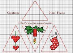 """(Grille gratuite) Après la """" boule carrée """" voici la Pyramide de Noël.... Rien n'étonne plus chez Mamigoz. La fantaisie dans tous ses états. Une grande botte pour petits cadeaux ! Rien de plus facile au montage qu'une couture façon biscornu. Une petite..."""