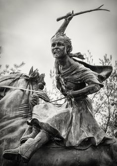 "Sybil Ludington (1761-1839) was a heroine of the American Revolutionary War and is considered the ""female"" Paul Revere. At age 16 on April 26, 1777 she made a 40 mile ride (twice the distance as Revere) on her horse Star to alert the American colonial forces of the approaching British army. Sybil was later honored for her heroism by friends, neighbors, and General George Washington."