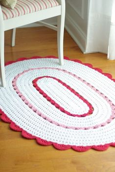Oval Alicia Doily Rug in Custom Colors by Henna, Handy Crafter. Crochet Doily Rug, Crochet Carpet, Crochet Rug Patterns, Diy Crochet, Crochet Crafts, Crochet Stitches, Diy Carpet, Rugs On Carpet, Carpets