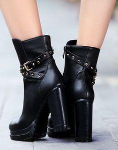 Stylish zipper high heel boots