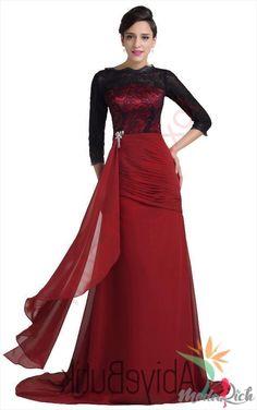 Daha mütevazı, kapalı kadınların tercih ettiği dekoltesiz abiye elbiseler farklı modellerle karşımıza çıkıyor. İşte en beğenilen abiye elbiseler.