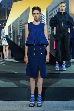 Kenzo, tiras y azul, el color de moda