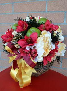 GERLA MEDIA Rosaria - PatriziaB.com  Gerla decorativa, composizione di fiori artificiali, frutta e fogliame in abbinamento di colori rosso, giallo / oro e un tocco di verde mela