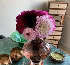 @degnemomse Black Marble, Glass Vase, Dining Table, Instagram, Design, Home Decor, Dinning Table, Interior Design, Dining Rooms