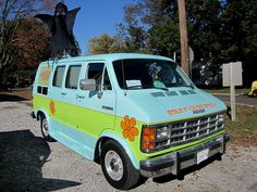 Mystery Machine - Dodge Van Dodge Van, Jeep Dodge, Dodge Chrysler, Car Stuff, Camper Van, Mopar, Mystery, Vans, Vehicles
