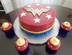Wonder Woman cake and cupcakes