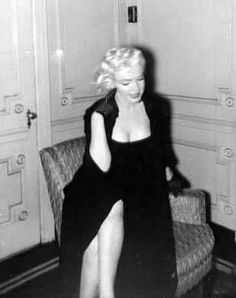 Marilyn at the Gladstone Hotel, January 26, 1955.