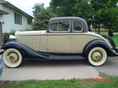 Vintage Cars 1933 Chevrolet Master CA Coupe.brought to you by House of Insurance Eugene, Oregon 97401 - Vintage Cars, Antique Cars, Car Painting, Knife Painting, Car Shop, New Tricks, Old Cars, Motor Car, Cars And Motorcycles