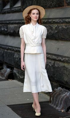 30's style outfit...I love the style of this dress!