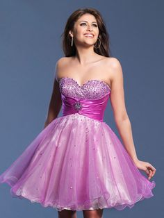 A-line Sweetheart Rhinestone Tulle Short/Mini Prom Dress at Millybridal.com