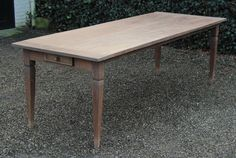 Antieke tafels | antieke tafels | antieke salontafels | tafels antiek | Antiquiteiten | online antiek. Antique Desk, Antique Furniture, Antique Wardrobe, Antique Chandelier, Dining Table, Antiques, Home Decor, Antique Cabinets, Restore