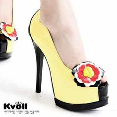 READY STOCK KVOLL ORIGINAL KODE : KF002-Yellow Flower PRICE : Rp.370.000,- AVAILABLE SIZE : 37  FOR ORDER : SMS/WHATSAPP 087777111986 PIN BB 766a6420 FB : Mayorishop