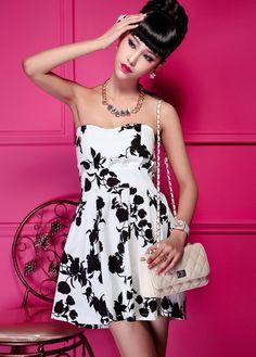 Petite Girls Essential Black Flowers Print Tube Dress ,Dresses Style: Work ,Neckline: Strapless ,Sleeve Style: Off The Shoulder ,Sleeve Length: Sleeveless ,Dresses Silhouette: Tube ,Material: Cotton ,Dresses Length: Mini ,Bust (cm): 80-90cm ,Clothing Length (cm): 72cm