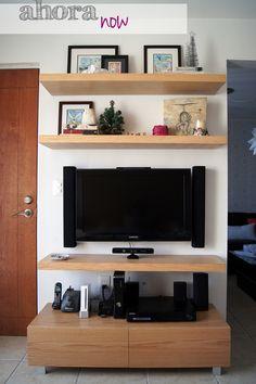 Our self-made TV wall unit :) / Nuestro mueble de TV hecho por mí!!! / casahaus.net