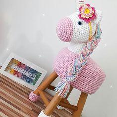 70 Trendy Ideas For Crochet Pillow Animal Yarns Crochet Diy, Crochet Pillow, Crochet Home, Crochet For Kids, Crochet Crafts, Crochet Projects, Crochet Mermaid, Crochet Unicorn, Unicorn Crafts