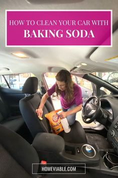 Clean your car seats and interior with this DIY carpet cleaning hack,: baking soda. This all natural product will remove any and all stains fast. #homeviable #bakingsoda #carcleaning Cleaning Carpet Stains, Cleaning Car Upholstery, Diy Carpet Cleaner, Clean Cloth Car Seats, Cleaning Leather Car Seats, Vinegar Cleaning Solution, Baking Soda Cleaner, Stain Remover Carpet, Stain Removers