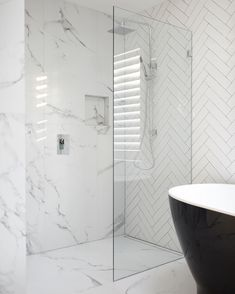 Luxury Bathroom Master Baths Beautiful is certainly important for your home. Whether you pick the Luxury Bathroom Master Baths Benjamin Moore or Small Bathroom Decorating Ideas, you will make the best Dream Master Bathroom Luxury for your own life. Modern Bathtub, Modern Bathroom, Marble Bathrooms, Minimalist Bathroom, Wood Bathroom, Black Bathtub, Black Tub, Marble Showers, Bathroom Showers