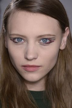 Artistic cat-eye at Anthony Vaccarello Fall 2014  - Runway Beauty at Paris Fashion Week #PFW
