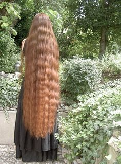 I like wavy hair! Long Red Hair, Super Long Hair, Wavy Hair, Beautiful Long Hair, Gorgeous Hair, Long Hair Models, Dream Hair, Ginger Hair, Hair Lengths