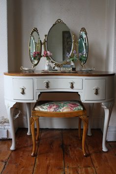 Restored Vintage 1940s Kidney Shaped Walnut Dressing Table