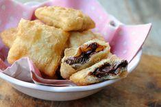 Gnocco fritto ripieno alla nutella ricetta veloce, ricetta tipica modenese senza lievito, farcitura dolce alla nutella, finger food per feste, buffet, dolce emiliano