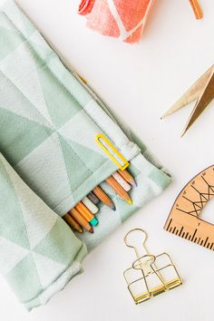 Easy Kid Organization DIY Ideas: Rollup Organizer #organization #organized #home #homedecor #kidsbedroom