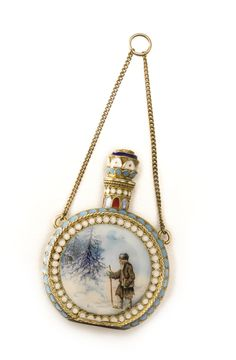 A silver-gilt and pictorial enamel perfume flask, Ivan Saltykov, Moscow, 1899-1908