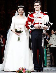 Eva Morejon wore her groom's family diamond tiara - Marques de La Montilla of Spain Royal Wedding Gowns, Modest Wedding Gowns, Royal Weddings, Bridal Gowns, Wedding Tiaras, Bride Dresses, Carmen Tello, Chic Vintage Brides, Royal Brides