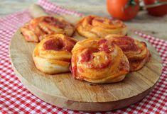 Tutto il sapore della pizza racchiuso in soffici e deliziose Girelle di pizza assolutamente irresistibili... ma attenti che creano dipendenza